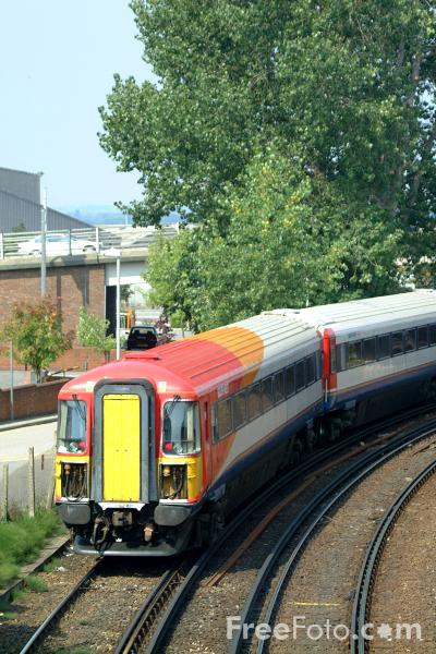 Picture of South West Trains Class 442 Wessex Electric at Poole - Free Pictures - FreeFoto.com