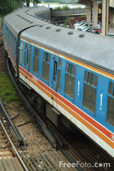 Picture of South West Trains Class 421/5 4-CIG Unit 1308 at Poole - Free Pictures - FreeFoto.com