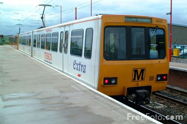 Picture of Tesco Extra Liveried Metro Train - Free Pictures - FreeFoto.com