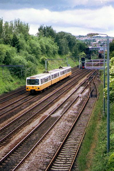 Picture of A Metro train between Heworth - Free Pictures - FreeFoto.com