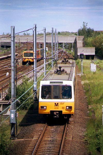Picture of A Metro train passes Pelaw sidings - Free Pictures - FreeFoto.com