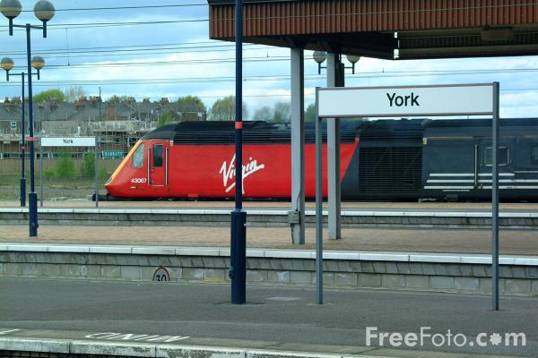 Picture of Virgin Trains High Speed Train at York - Free Pictures - FreeFoto.com