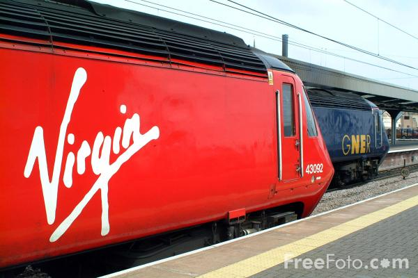 Picture of Virgin Trains High Speed Train at Edinburgh - Free Pictures - FreeFoto.com