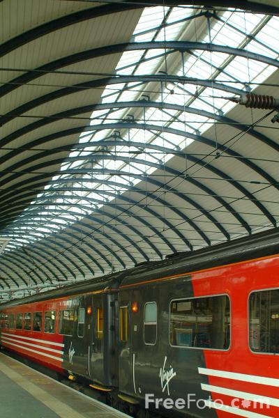 Picture of Virgin Trains High Speed Train at Newcastle upon Tyne - Free Pictures - FreeFoto.com
