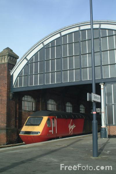 Picture of Virgin Trains High Speed Train, Darlington - Free Pictures - FreeFoto.com