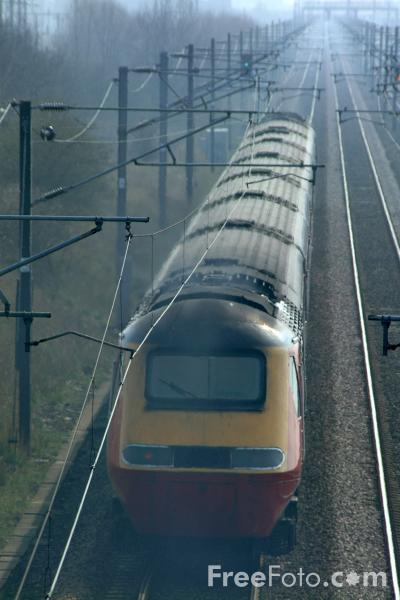 Picture of Virgin Trains High Speed Train, Low Fell, Gateshead - Free Pictures - FreeFoto.com