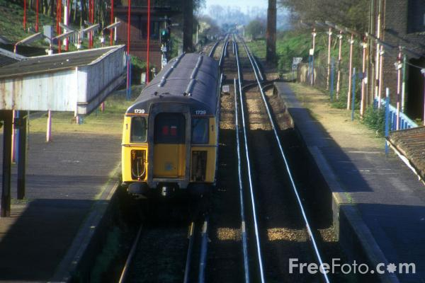 Picture of Connex service, Arundale Station - Free Pictures - FreeFoto.com