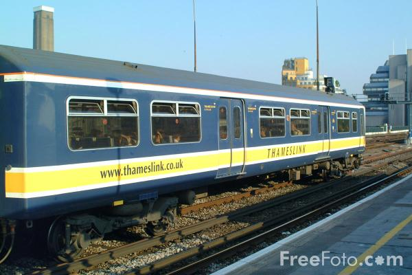 Picture of Thameslink Trains Class 319 EMU - Free Pictures - FreeFoto.com