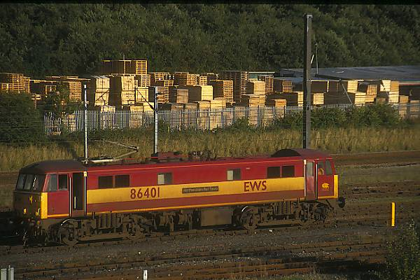 Picture of Class 86 86401 at Tyne Yard. - Free Pictures - FreeFoto.com