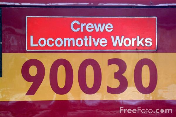 Picture of Class 90 90030 Crewe Locomotive Works at Newcastle station - Free Pictures - FreeFoto.com