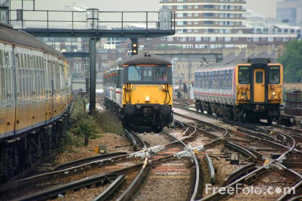 Picture of Class 73 on a Gatwick Express service - Free Pictures - FreeFoto.com