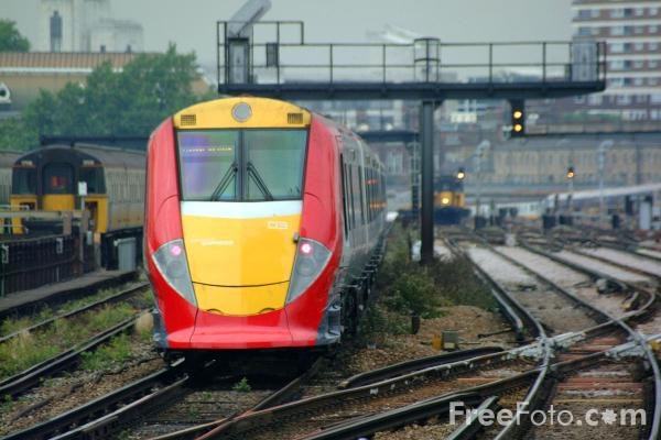 Picture of Class 460 8 coach Gatwick Express - Free Pictures - FreeFoto.com