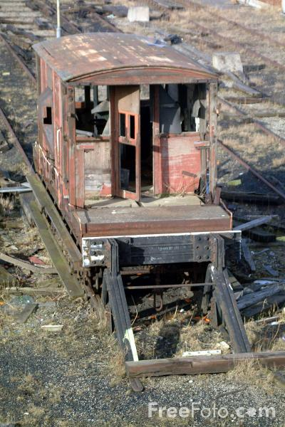 Picture of Disused railway tracks - Free Pictures - FreeFoto.com