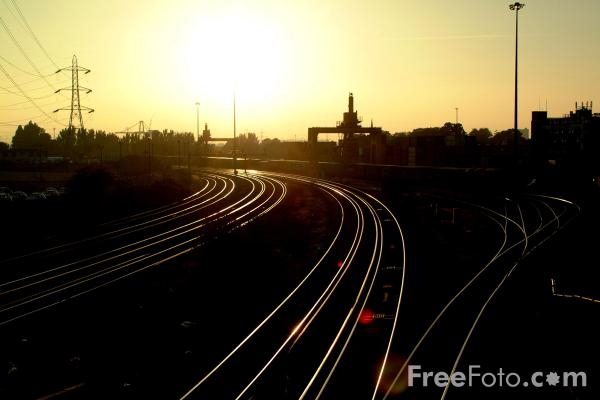 Picture of Freightliner Depot, Southampton - Free Pictures - FreeFoto.com