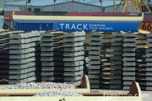 Picture of Channel Tunnel Rail Link under construction at the Beechbrook Farm Railhead, Kent - Free Pictures - FreeFoto.com
