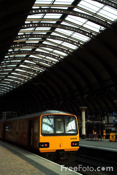 Picture of Arriva Class 144 - Free Pictures - FreeFoto.com