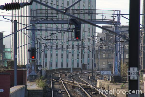 Picture of Railway Signals - Free Pictures - FreeFoto.com