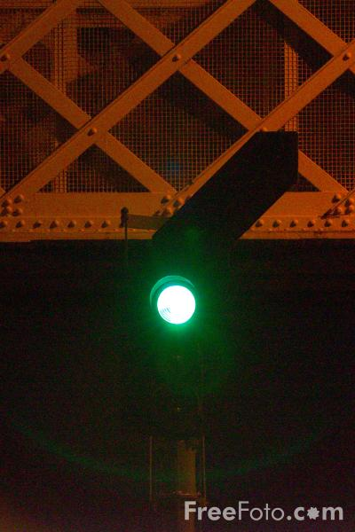 Picture of Green Railway Signal - Free Pictures - FreeFoto.com