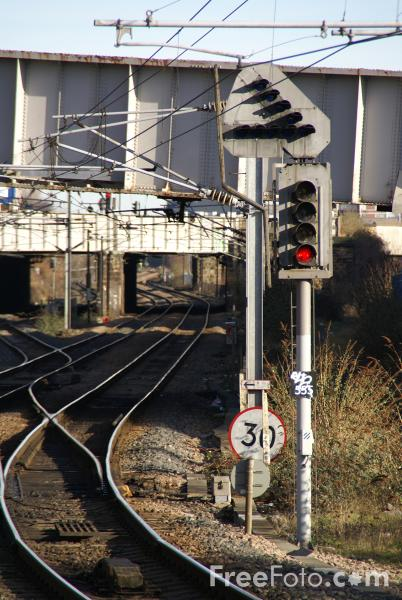 Picture of Railway Signal - Free Pictures - FreeFoto.com