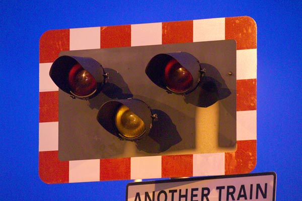 Picture of Level Crossing - Free Pictures - FreeFoto.com