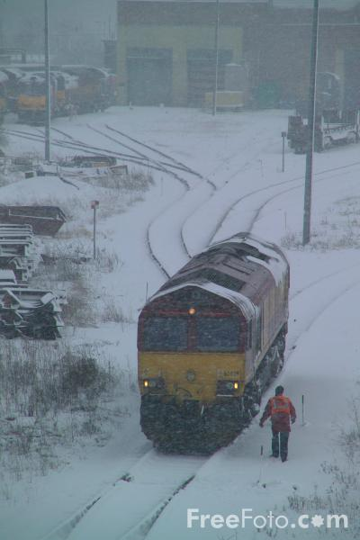 Picture of Class 66 in the snow, Tees Yard - Free Pictures - FreeFoto.com