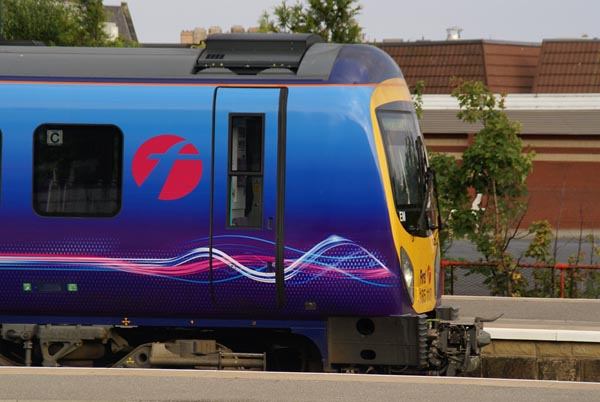 Picture of TransPennine Express - Free Pictures - FreeFoto.com