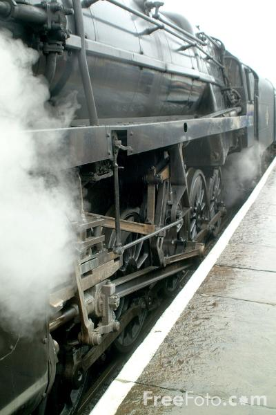 Picture of BR 9F 2-10-0 92212 at Ramsbottom - Free Pictures - FreeFoto.com