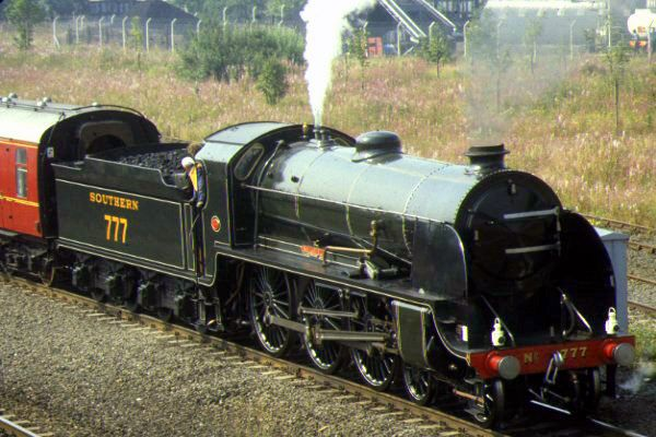 Picture of SR 777 4-6-0 at Stockton on Tees station - Free Pictures - FreeFoto.com