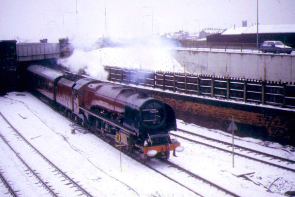 Picture of LMS 46229 Duchess of Hamilton near Thornaby in the snow - Free Pictures - FreeFoto.com