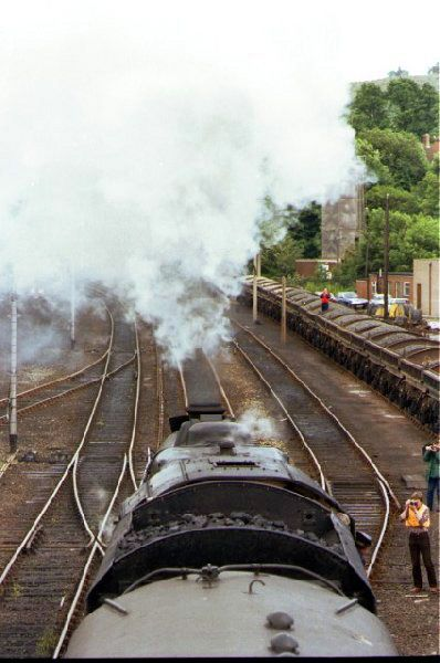 Picture of LMS Black 5 5705 leaves Hexham for Newcastle - Free Pictures - FreeFoto.com