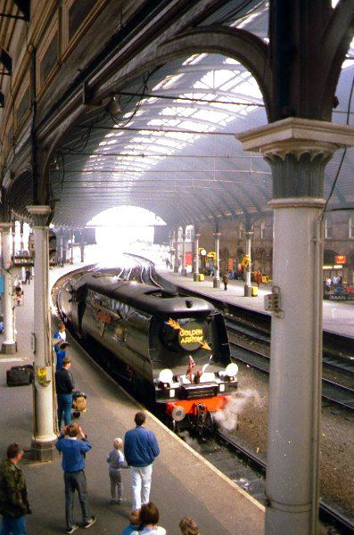 Picture of SR 34092 City of Wells at Newcastle station - Free Pictures - FreeFoto.com