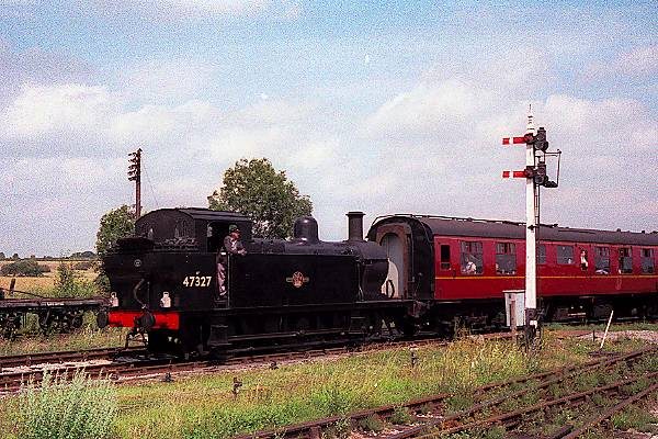 Picture of 1926 built LMS 3F 0-6-0T 47327 leaves Swanwick Junction for Butterley - Free Pictures - FreeFoto.com