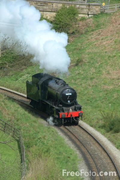 Picture of War Department Austerity 2-10-0 No. 90775 light engine near Goathland - Free Pictures - FreeFoto.com