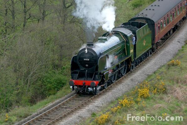 Picture of 30926 Southern Railway Schools Class 4-4-0 Repton near Goathland - Free Pictures - FreeFoto.com