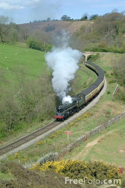 Picture of 75029 BR Class 4MT 2-6-0 near Goathland - Free Pictures - FreeFoto.com