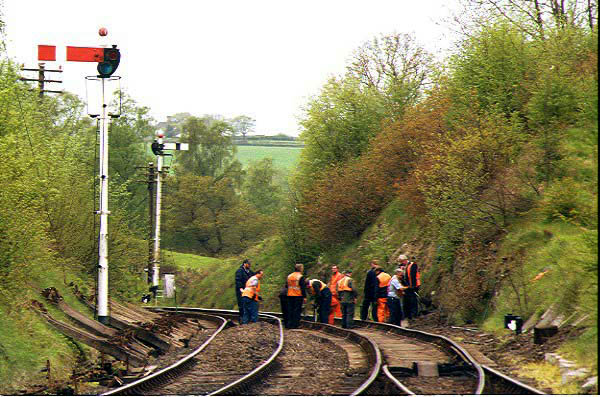 Picture of PW Gang at work North of Arley - Free Pictures - FreeFoto.com