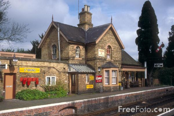 Picture of Hampton Loade, a typical country station - Free Pictures - FreeFoto.com