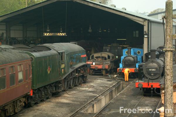 Picture of LNER A4 4-6-0 60009 Union of South Africa in Bridgnorth shed yard - Free Pictures - FreeFoto.com
