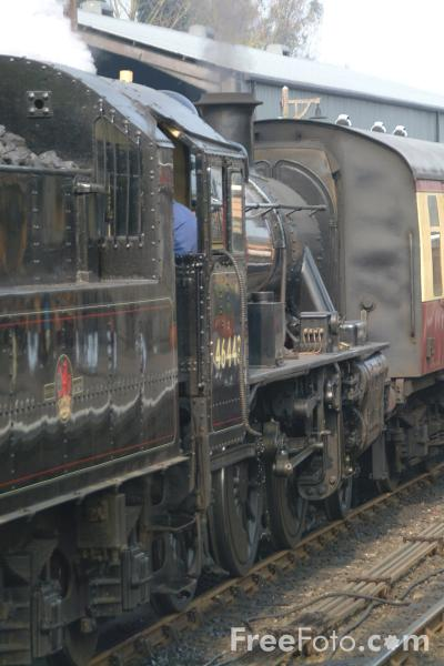 Picture of LMS 2MT 2-6-0 46443 at Bridgnorth station - Free Pictures - FreeFoto.com