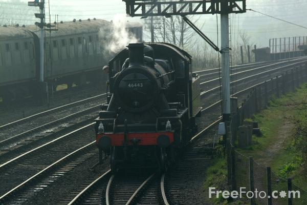 Picture of LMS 2MT 2-6-0 46443 enters Bridgnorth shed yard - Free Pictures - FreeFoto.com