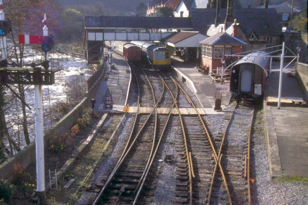 Picture of Llangollen Station - Free Pictures - FreeFoto.com
