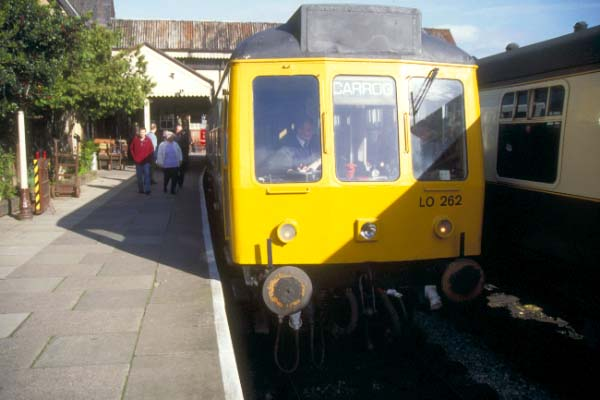 Picture of DMU class 108 set, Llangollen Station - Free Pictures - FreeFoto.com