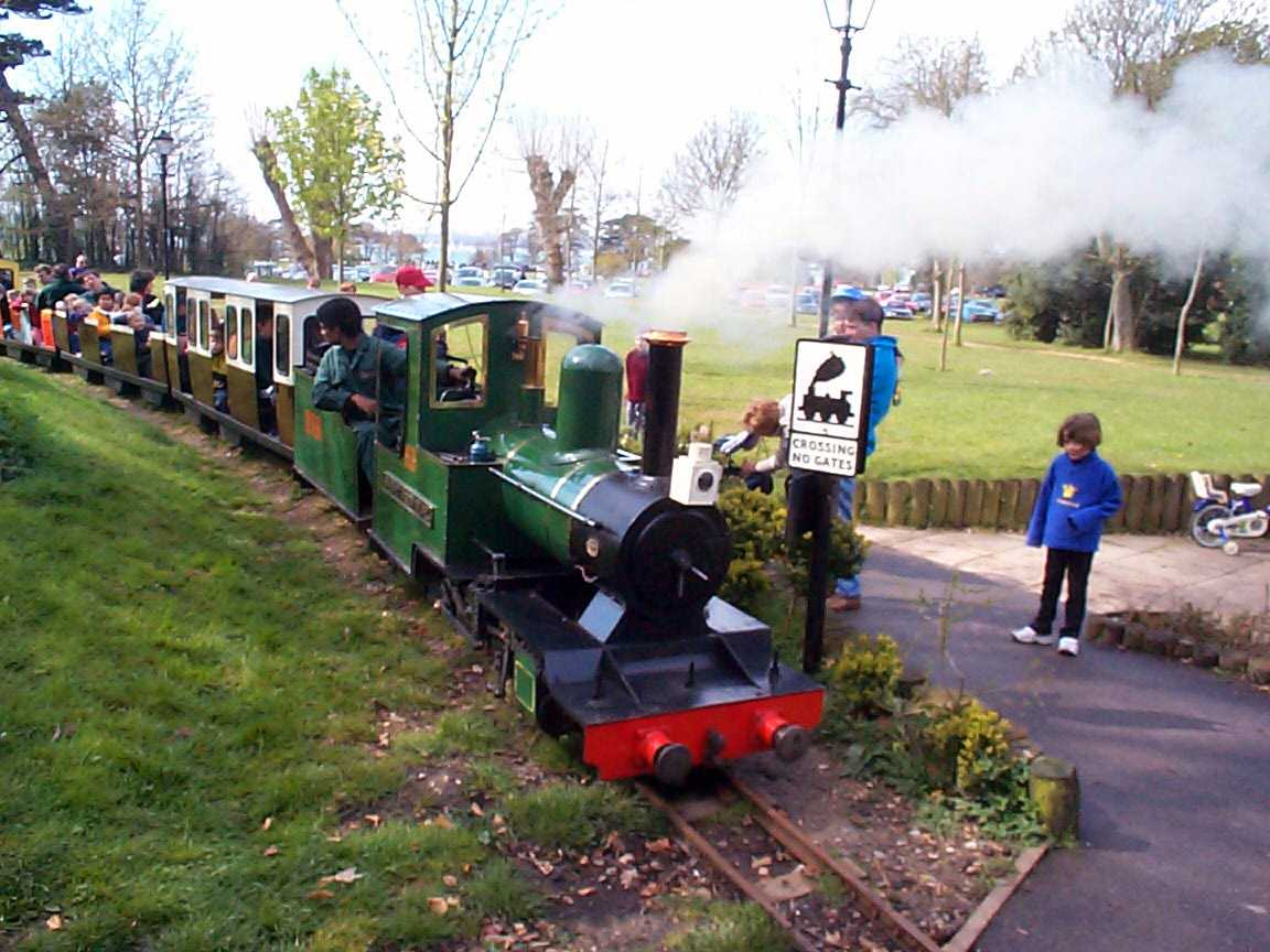 Picture of Victoria Park Steam Railway - Free Pictures - FreeFoto.com