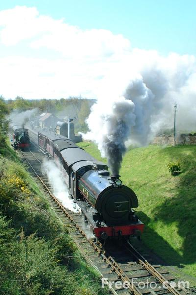 Picture of 1943 built RSH No38 0-6-0ST leaves St Andrews House station, Tanfield Railway - Free Pictures - FreeFoto.com