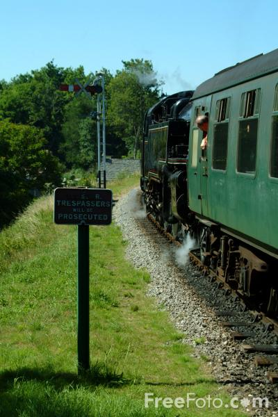 Picture of 80078 2-6-4T at Corfe Castle - Free Pictures - FreeFoto.com