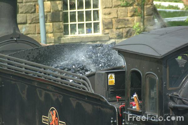 Picture of 65894 NER Class J27 0-6-0 at Goathland - Free Pictures - FreeFoto.com