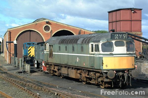Picture of BR green BRCW Sulzer Class 27 D5394, Bo'ness - Free Pictures - FreeFoto.com