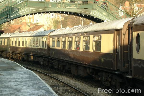 Picture of The Moorlander Pullman Dining Service - Free Pictures - FreeFoto.com