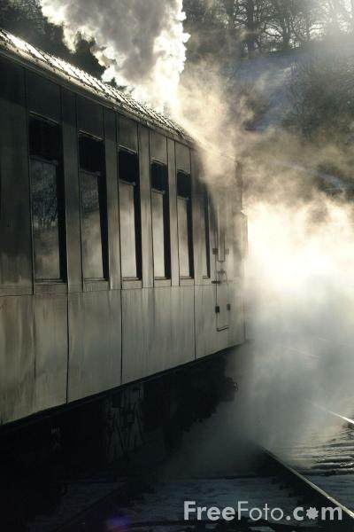 Picture of Mk1 railway carriage - Free Pictures - FreeFoto.com