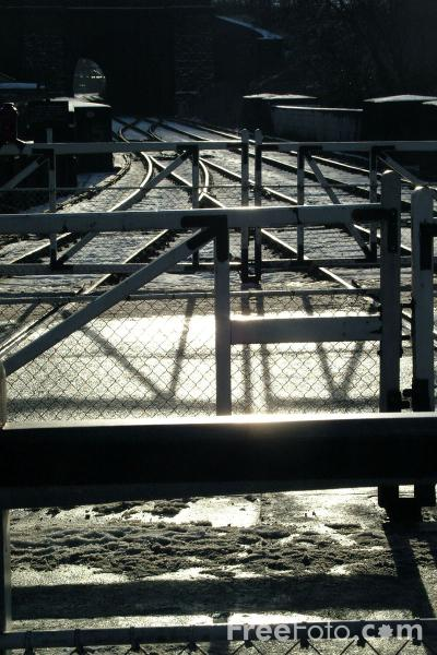 Picture of Level Crossing Gates, Grosmont - Free Pictures - FreeFoto.com